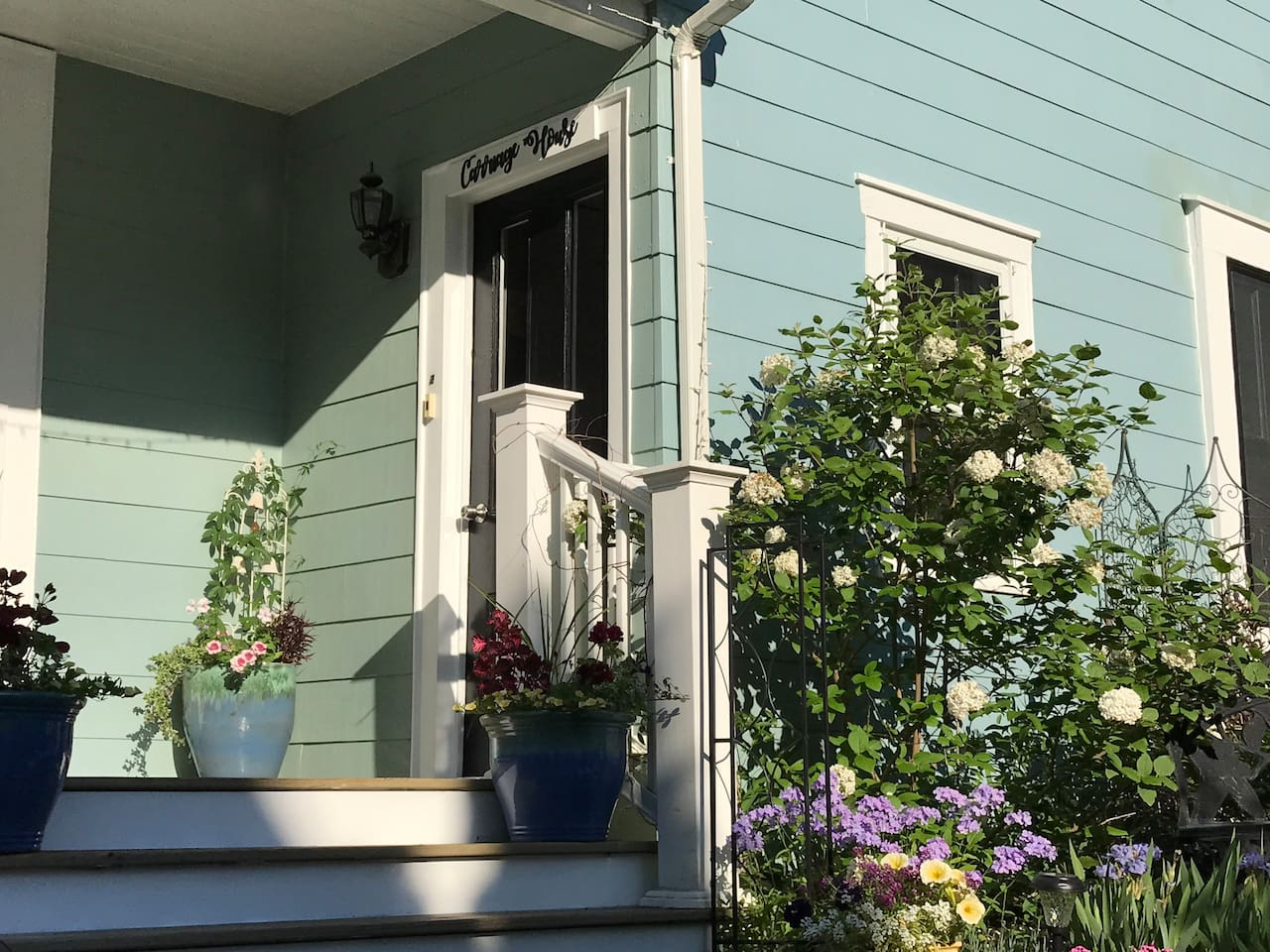 Carriage House private entrance. Just a short walk to all the shops and restaurants on Maine Street and two block to Bowdoin College. We are in a quiet neighborhood in the heart of the historic downtown district.