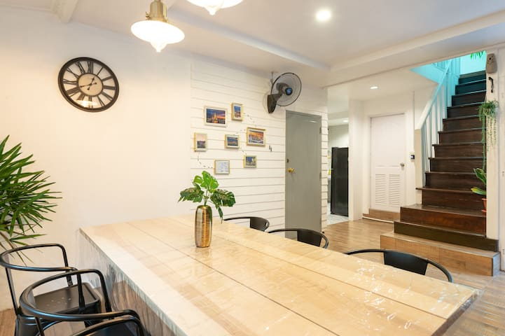 Thai private House in old town BKK(Airport PickUp)