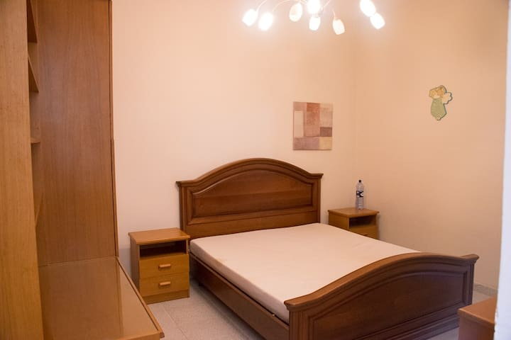 Swieqi - Private Room - Max. 2 - 10 min Paceville