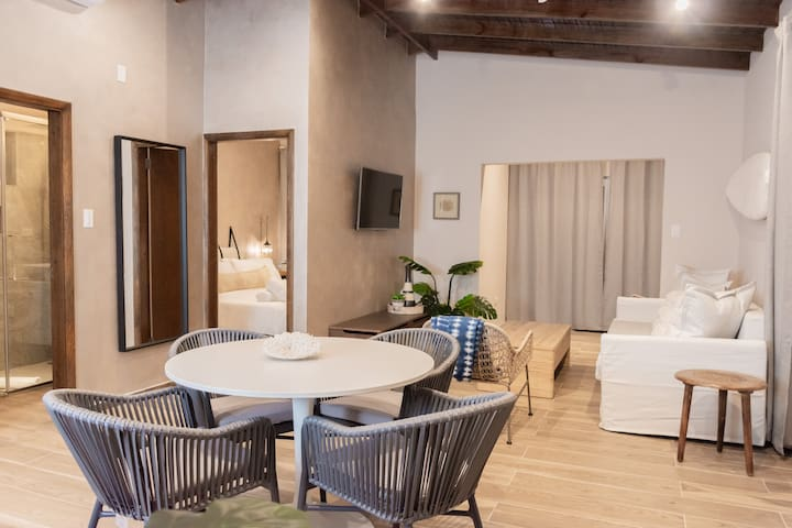 2020 Newly restored  apartment by the sea - Unit 8