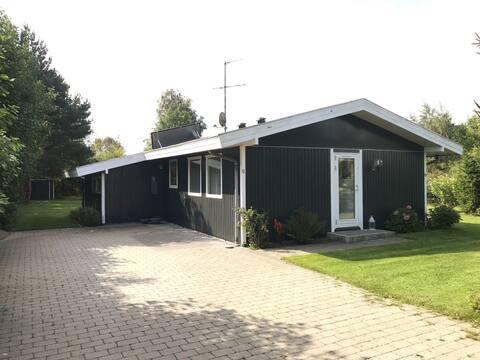 Hyggeligt sommerhus, 62 m2 i Marielyst