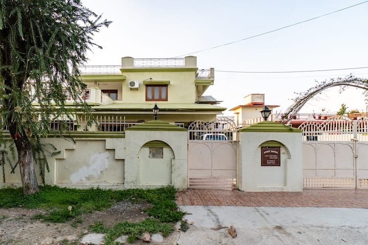 Breezy Acres    A Budget home stay in Dehradun
