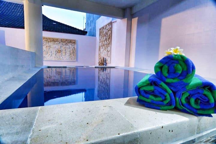 Swiming pool with kidpool