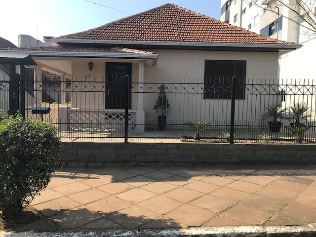Casa completa no centro de Veranópolis
