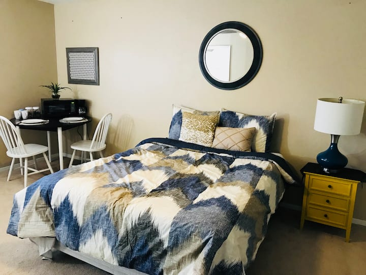 The Magnolia guest room /Downtown Mcallen