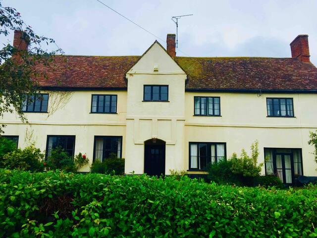 Farm house and Annexe Somerset, sleeps 14.