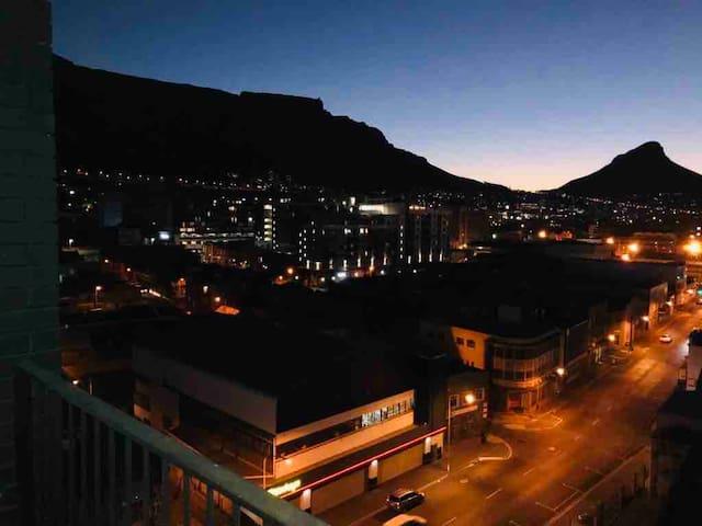 Woodstock - Beautiful Views of Table Mountain