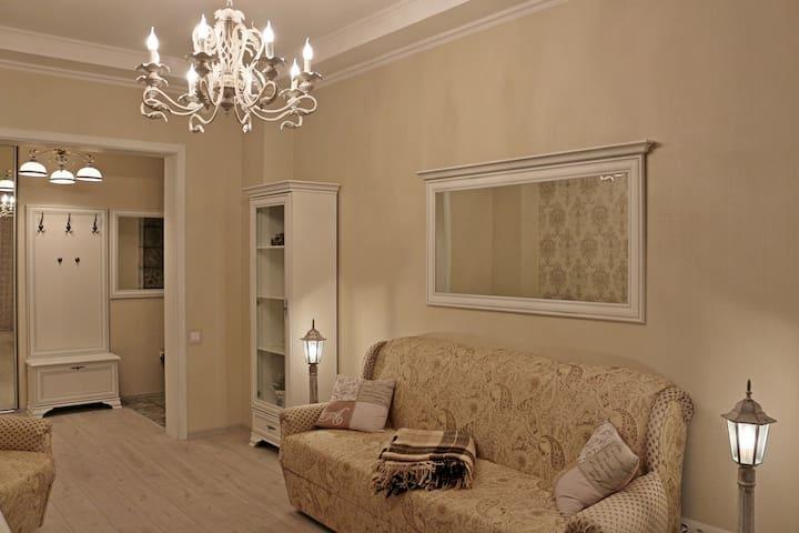 2-х комнатная cталинка еврокласса - Homieĺ - Apartment