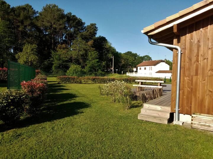 Villa bois 3* en lisière de forêt, 7min des plages