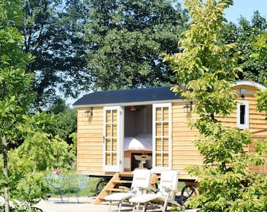 Mowbarton Shepherd's Hut - Mudgley
