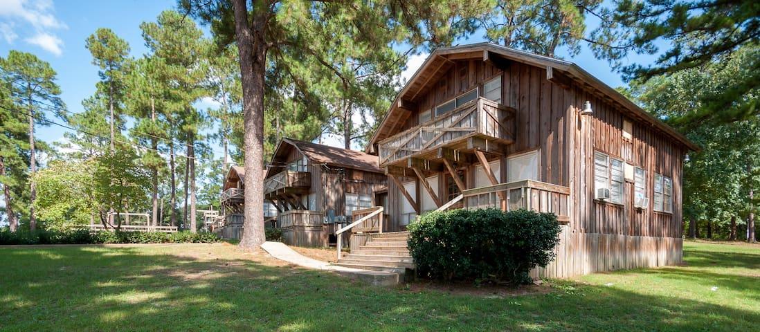 Pine Tree Cabin at Tall Timbers Retreat! Sleeps 12