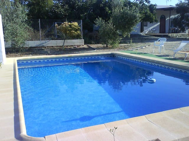 House - private pool and garden - Posadas
