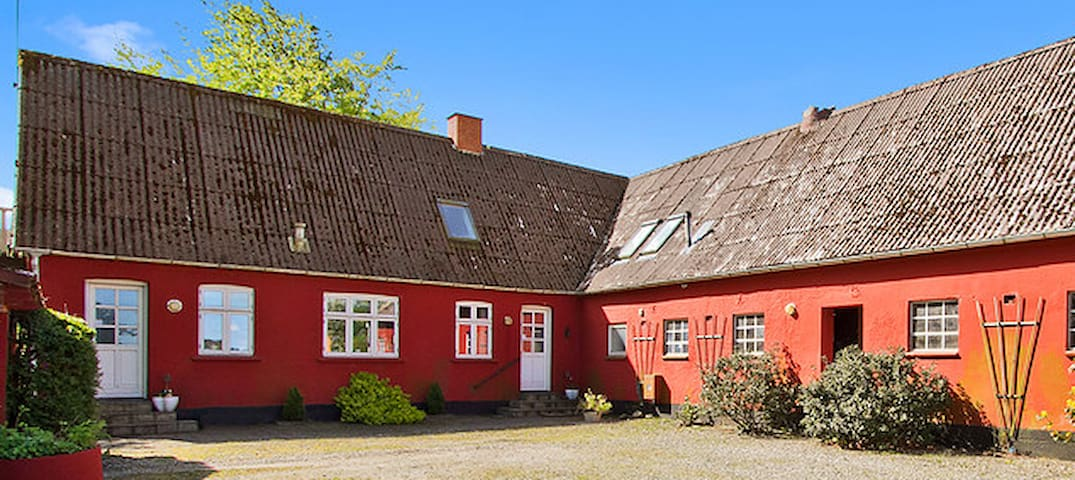 Lovely room nearby Silkeborg - Silkeborg - Bed & Breakfast