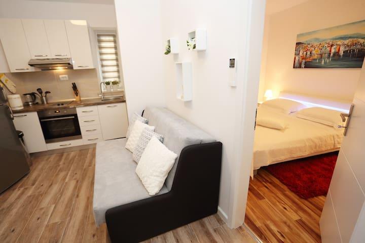 City square apartment at Pjaca ****