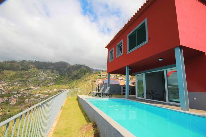 Adam Villa With Pool