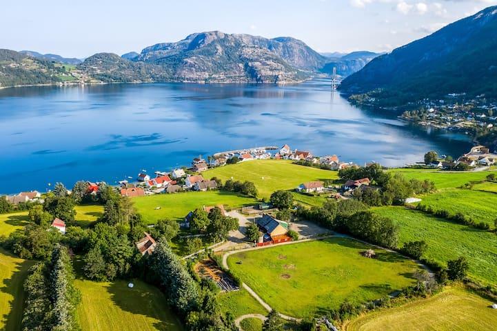 Gøysa Gard - 2 roms leilighet ved Lysefjorden