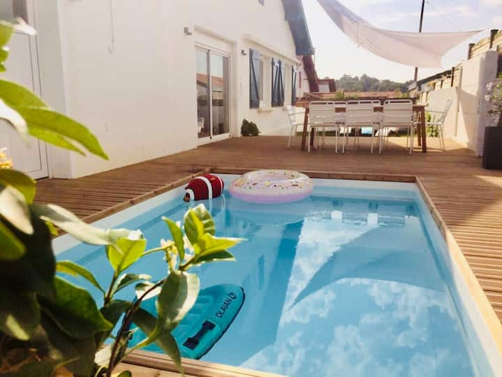 Family home with heated pool in Biarritz