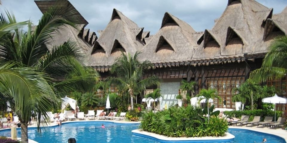 Mayan Palace, Riviera Maya- Beautiful Master Room