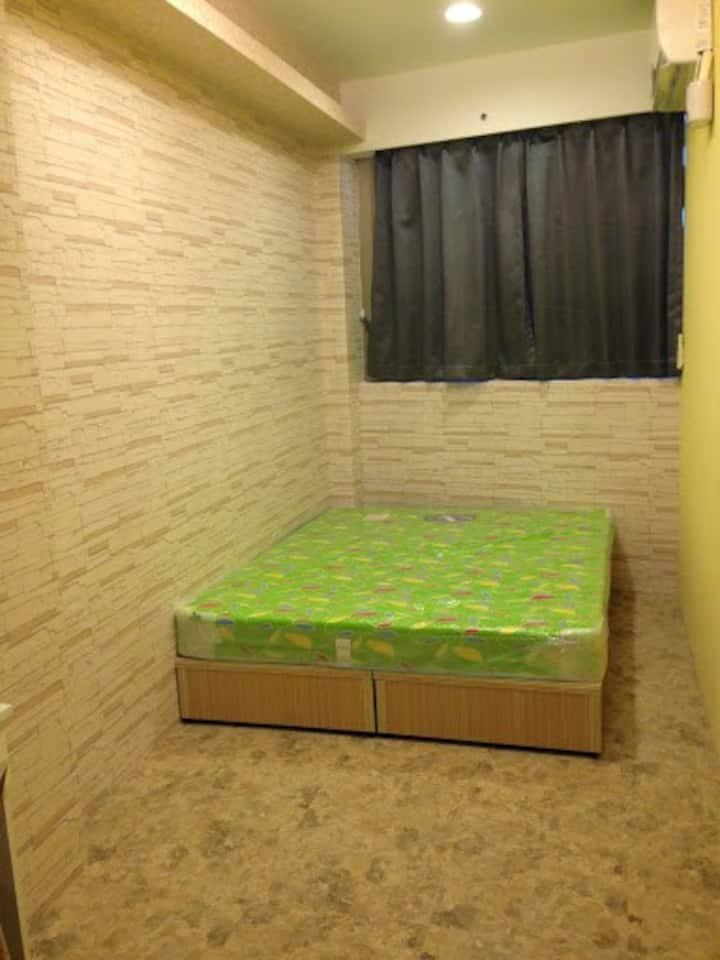 Spacious cozy room near NTUST, NTU & GONGGUAN 月租以上