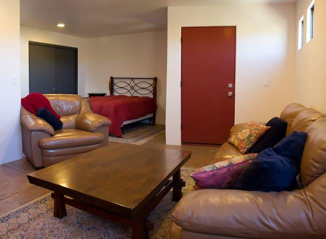 Quiet Comfortable Efficiency Apt Available Xmas/NY - Santa Fe - Appartement