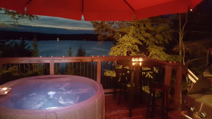 Eagle's Nest-Romantic Lakeside  Cottage w/ Hot Tub