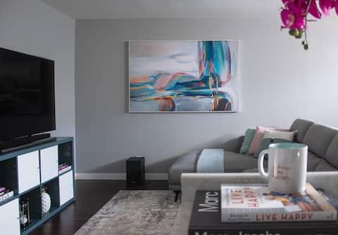 Modern & Cozy Basement Suite W/Dedicated Entrance
