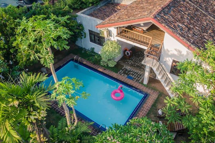 Milanka Teak Villa (2 rooms for 4 persons)