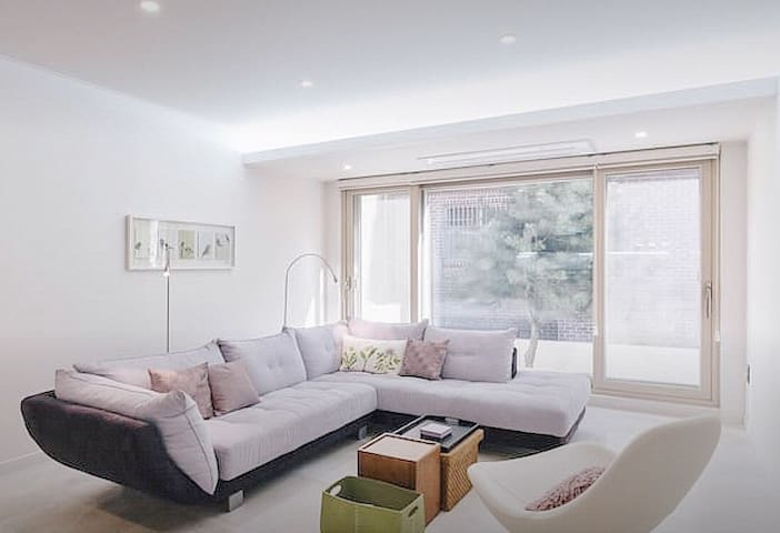 4 Female Dormitory ) in a Beautiful Shared House