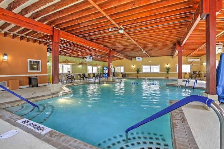 Ocean City Condo w/Patio + Indoor & Outdoor Pools!