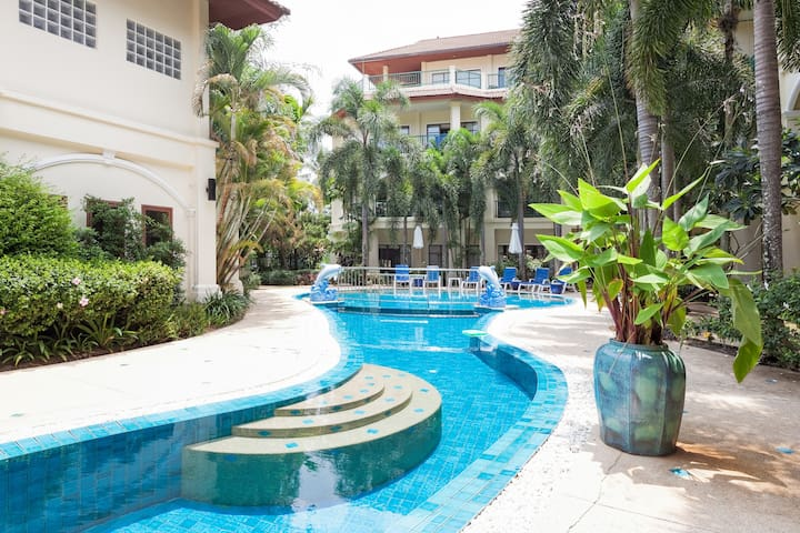 Modern 2BR not far from Bangtao and Surin Beach - Tambon Choeng Thale - Apartemen