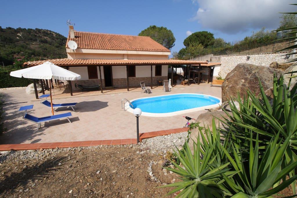 Villa Oriente con piscina