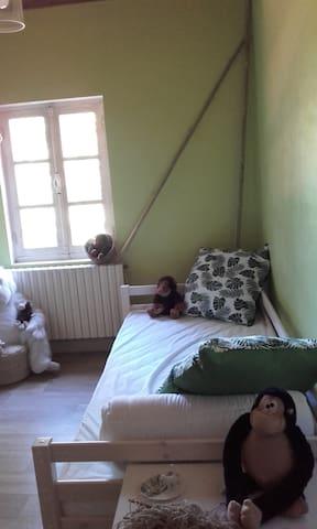 Moncoutant-sur-Sèvre chambre 3 voir chambre 1 et 2