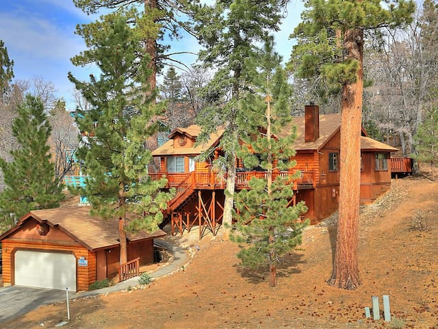 Columbine Oak Retreat- Awesome Log Style Cabin W/Outdoor Spa and Snow Play!!