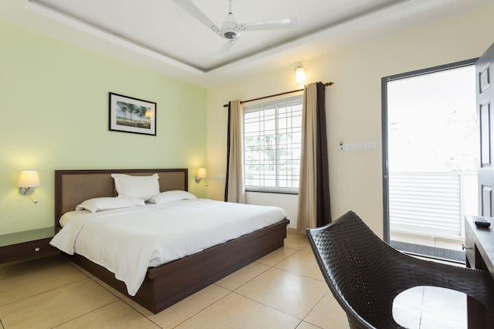 Seaview Room - Vypin - House