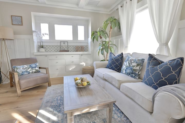 Luxury Cottage by Lower State St w AC