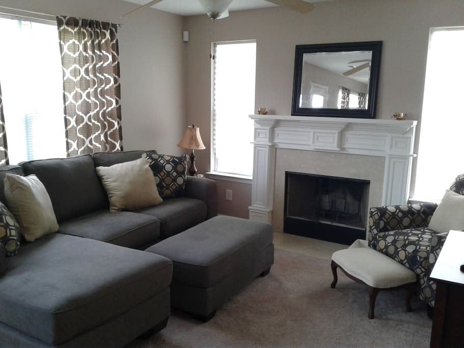 Comfy living room...open from the kitchen.
