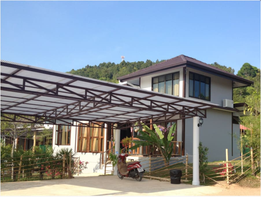 New and modern 3bedroom villa w seaview and huge communal pool_2