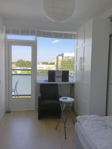 High floor corner apartment2 with all Haarlem view
