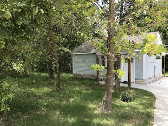 Carey Bay Cottages - Brand New Luxury Cottages on Grand Lake (Cottage A)