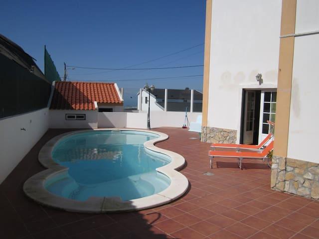 Ferienhaus Casa Paula mit Swimmingpool in Atalaia, Atlantikküste, Zentral-Portugal
