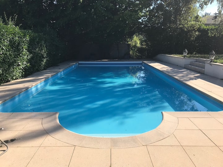 120m2 appartmt with pool 10 min from Geneva center