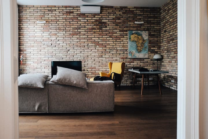 Simple Apartment Room by Felix