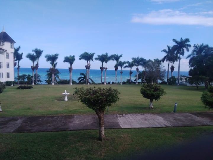 Stunning Seaview Condo Montego Bay Seacastles