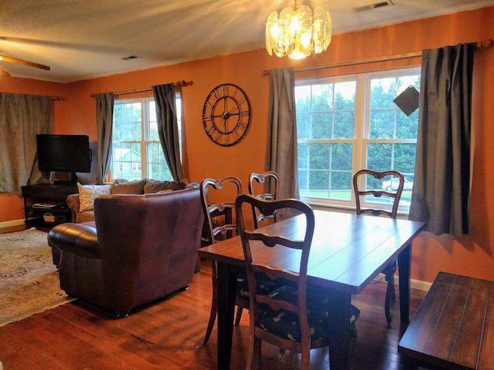 Convenient Hendersonville Home