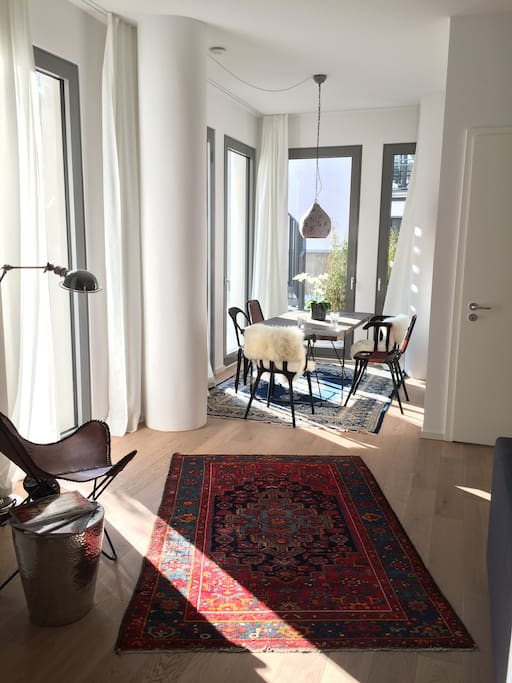 central sunny loft 100m from oktoberfest apartments for rent in munich bayern germany. Black Bedroom Furniture Sets. Home Design Ideas
