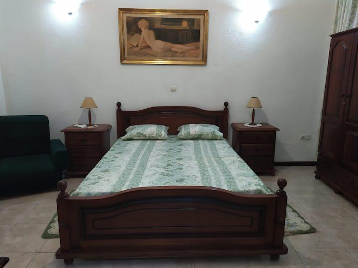 "Rua Miguel Bomborda Room in Praia ""Plateu"""