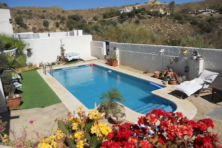 Casa Lucy 3 double rooms  B& B for 2 pers 60 euros - Turre - Willa