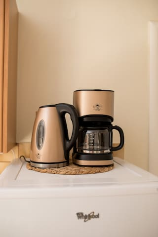 Coffe maker and kettle