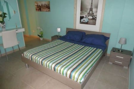 Comfort e tranquilla in centro paese - Cellamare - Bed & Breakfast