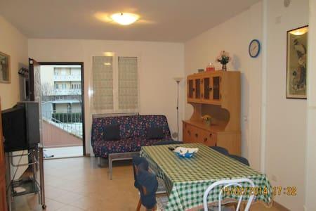 Centralissimo e ampio appartamento vicino al mare - Misano Adriatico - Lägenhet